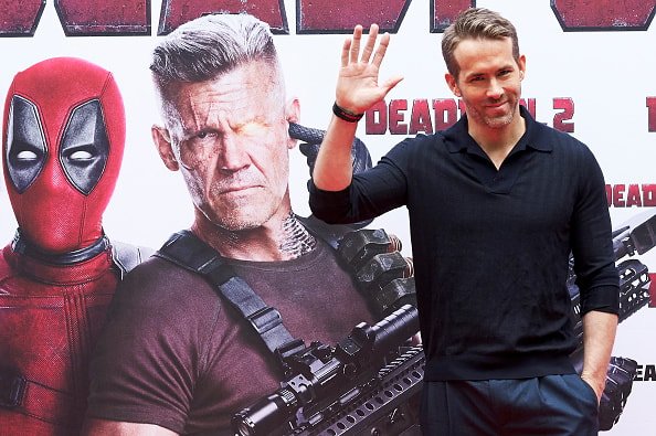 Ryan Reynolds Apologizes to David Beckham in the New ...