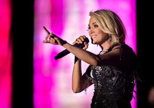 Carrie Underwood Showing Some Leg In The Opening For This Year S